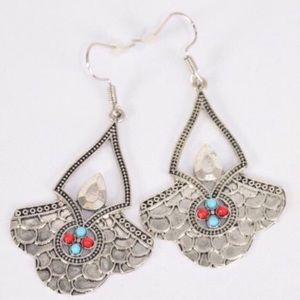NWT! Antique Silver Aztec Metal Earrings